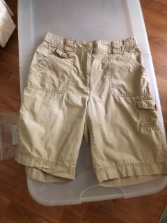 SIZE SMALL CARGO SHORTS...