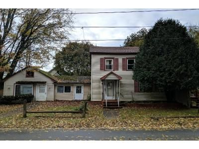 3 Bed 1 Bath Preforeclosure Property in Broadalbin, NY 12025 - Center St