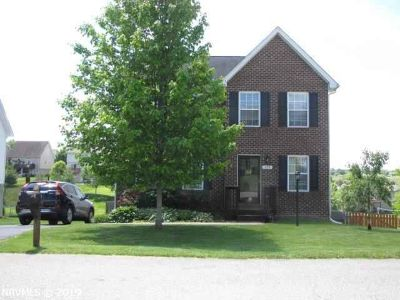155 Sage Lane CHRISTIANSBURG Three BR, Attractive two story home