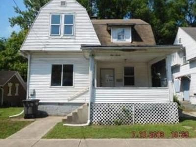 3 Bed 1 Bath Foreclosure Property in Danville, IL 61832 - N Logan Ave