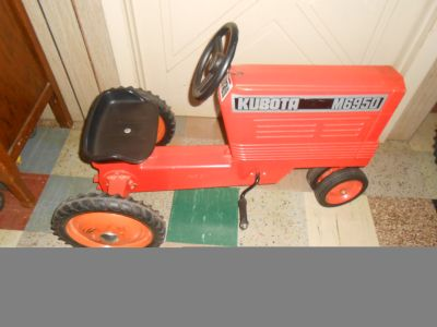 PEDAL TRACTOR TO RESTORE