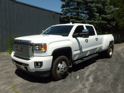 "2016 GMC Sierra 3500HD 4WD Crew Cab 167.7"" Denali (Summit White)"