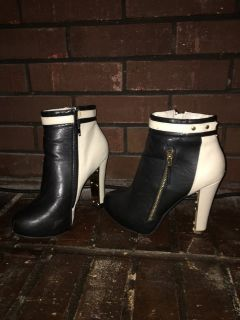 Black white gold hardware booties heels sz7