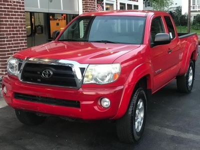 2006 Toyota Tacoma V6 (Radiant Red)