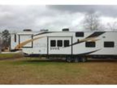 2013 Forest River XLR-Viper Toy Hauler in Montgomery, TX