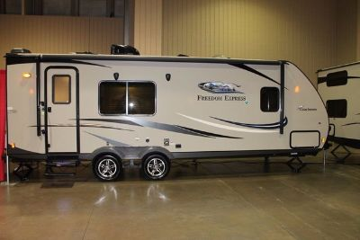 2016 Coachmen Freedom Express Ultra-Lite 246 RKS