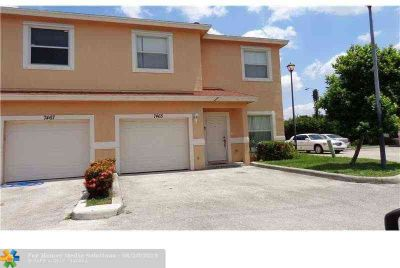 7465 Tam Oshanter Blvd 7465 North Lauderdale Three BR