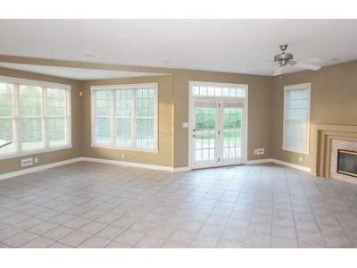 4 Bed 4.5 Bath Foreclosure Property in Fishers, IN 46037 - Turne Grv