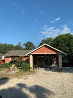 195 Robles St - Home For Sale 3/1 in Von Ormy, TX 78073