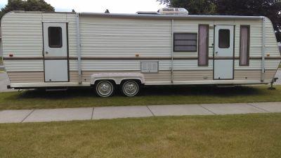 1988 Premier 30 ft Camper
