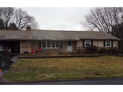 3 Bed 1 Bath Preforeclosure Property in Lititz, PA 17543 - Pine Hill Rd
