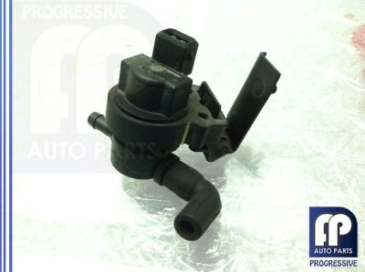 Buy 2003-2006 W211 E500 E55 E350 ENGINE CRANKCASE VENT VALVE OEM 0004703593 motorcycle in Tampa, Florida, US, for US $85.00