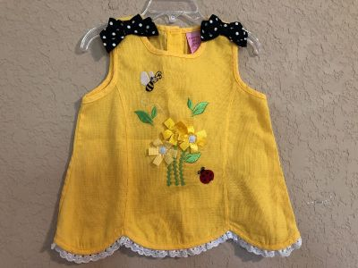 Adorable Yellow Sunflowers With Bees Sleeveless Summer Shirt. Great With Leggings! Nice Condition. Size 4T