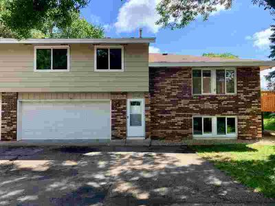 14958 Dodd Boulevard #2 Rosemount Three BR, Move in ready!Freshly