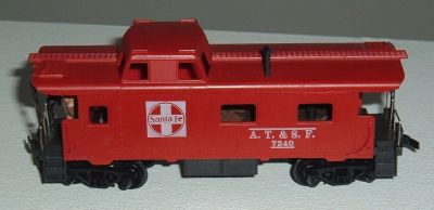 Tyco HO Scale AT&SF 7240 Caboose w Metal Handrail Crew Figure