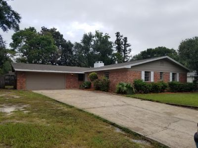 BEAUTIFUL 4 BEDROOM, 2.5 BATHROOM HOME IN THE DESIRABLE COLONY ESTATES