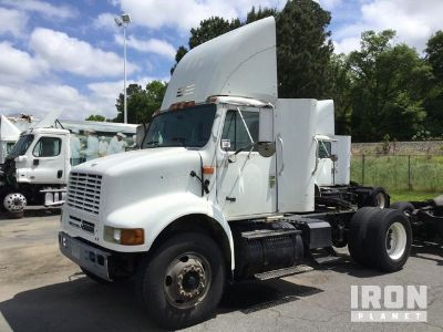 2001 International 8100 S/A Day Cab Truck Tractor
