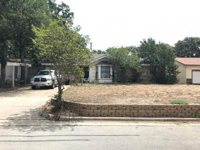 3 Bed 2 Bath Preforeclosure Property in Bedford, TX 76022 - Dora St
