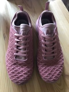Lululemon APL shoes