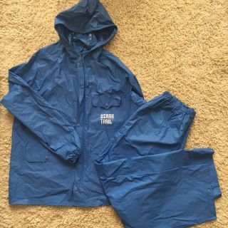 For those summer showers! Unisex size small rain suit