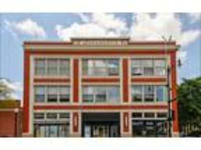 For Rent 3 level Two BR/Two BA Loft in South Loop