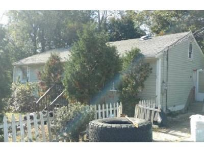 3 Bed 1 Bath Foreclosure Property in Moosup, CT 06354 - Susie Ave