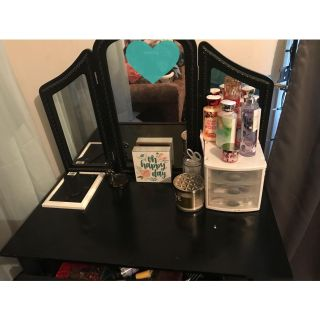 Vanity Table Must be picked up