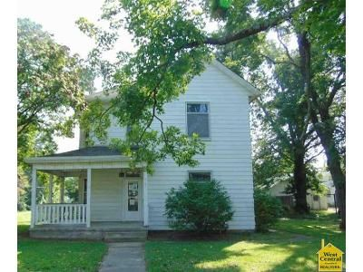 3 Bed 2 Bath Foreclosure Property in Clinton, MO 64735 - S 3rd St