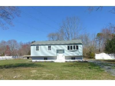 2 Bed 1 Bath Foreclosure Property in Williamstown, NJ 08094 - Roun Ave