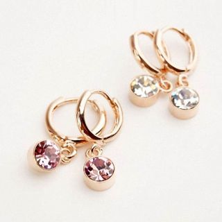 Artificial Fashion Earrings For Girls and Womens