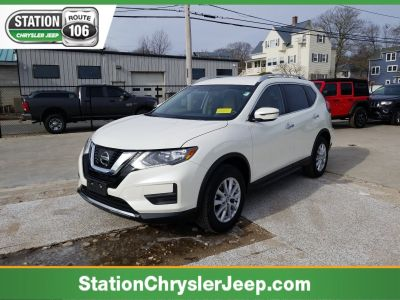 2017 Nissan Rogue (Pearl White)