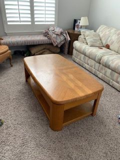 Raiseable Top Coffee Table