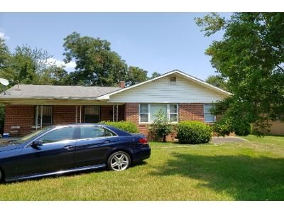 3 Bed 2 Bath Preforeclosure Property in Fort Valley, GA 31030 - Lamar St