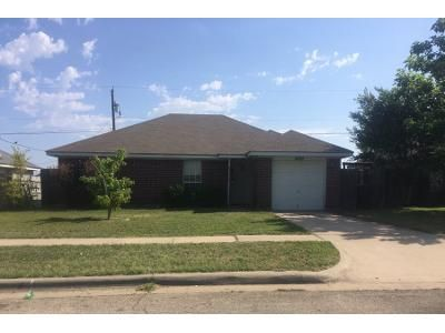1.5 Bath Preforeclosure Property in Killeen, TX 76543 - Warfield Dr