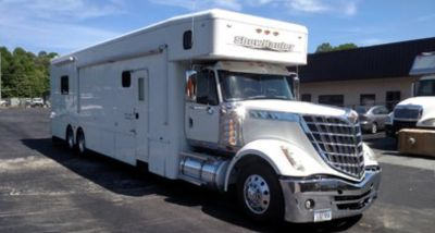 2010 Showhauler Lonestar Bunk bed model 2 full baths