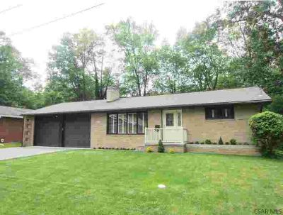 460 Clarence Street JOHNSTOWN, Very well maintained brick 2