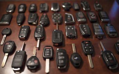 Car Keys, Remotes & Fobs!!