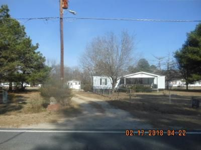 3 Bed 2 Bath Foreclosure Property in Saint Pauls, NC 28384 - Martin Rd