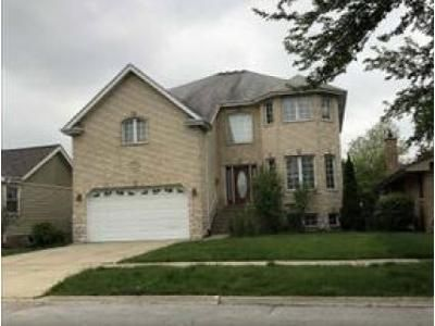 5 Bed 2.5 Bath Foreclosure Property in Oak Lawn, IL 60453 - S 52nd Ave
