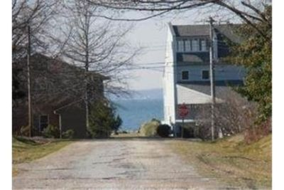 Stevensville, Great Location, 3 bedroom House.