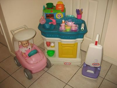 Little Mommy Play Sets - Kitchen Stroller Vacuum