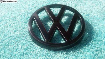 VW Vanagon 83 Front VW Front Grill Emblem