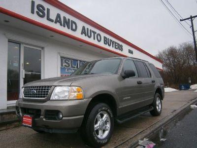 2004 Ford Explorer XLT (Grey)