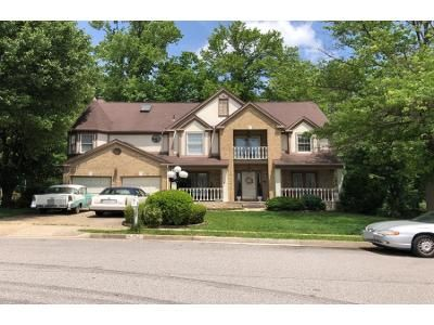 5 Bed 4 Bath Preforeclosure Property in Burke, VA 22015 - Wooded Glen Ave