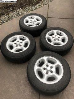 4 Rhein wheels with 4 Nokian Hakka C tires