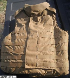 For Sale: Military body armor with plates