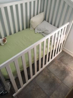 Graco crib makes into toddler bed also and mattress