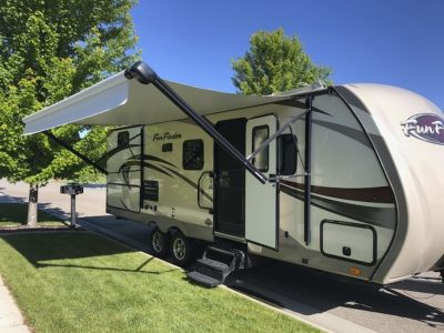 2015 Fun Finder 242 BDS Travel Trailer w/Bunks