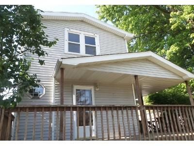 3 Bed 1.5 Bath Foreclosure Property in Crest Hill, IL 60403 - Highland Ave