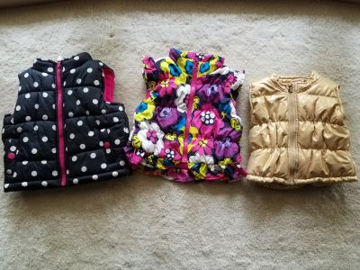 Baby girl puffer vests